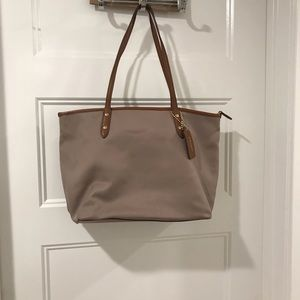 Handbags - Coach Bag